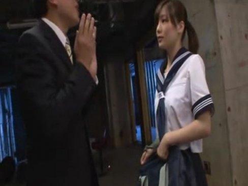 หลอกเย็ดหีนักเรียนสาวสุดน่ารัก