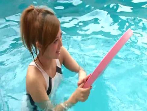 หลอกเย็ดหีสาวนักว่ายน้ำ ไม่มีเซ็นเซอร์