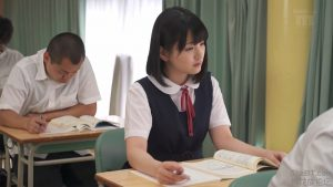 นักเรียนสาวสวย เธอเกิดเงี่ยนหีในชั่วโมงเรียน