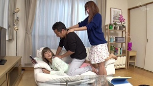 น้องเมียอยากเย็ดกับพี่เขย เพราะแอบดูตอนพี่สาวเย็ดกับผัว แล้วเกิดเงี่ยน