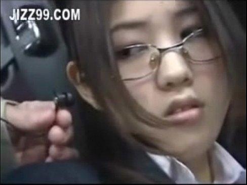 แอบเย็ดสาวแว่นบนรถเมล์