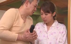 ดูหนังโป๊ญี่ปุ่น พ่อผัวขอเย็ดหีลูกสะใภ้