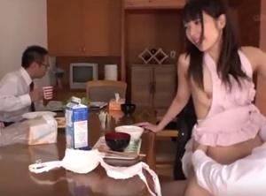 คลิปโป๊ญี่ปุ่น แนวครอบครัวมั่วเซ็กส์ ลูกสาวให้พ่อเย็ดหี