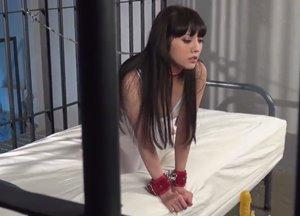 โป๊ญี่ปุ่นไม่เซ็นเซอร์ จับผู้หญิงเงี่ยนมาขังไว้เย็ดหี