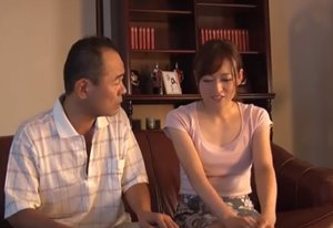 พ่อสามีขอดันควยเข้ารูหีลูกสะใภ้ แบบว่าเงี่ยน
