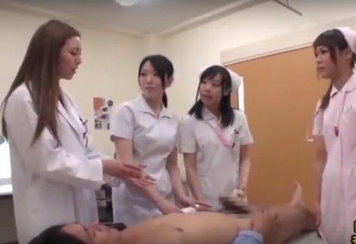 หนังโป๊ญี่ปุ่น สอนพยาบาลฝึกหัดให้รีดน้ำควยคนไข้ผู้ชาย