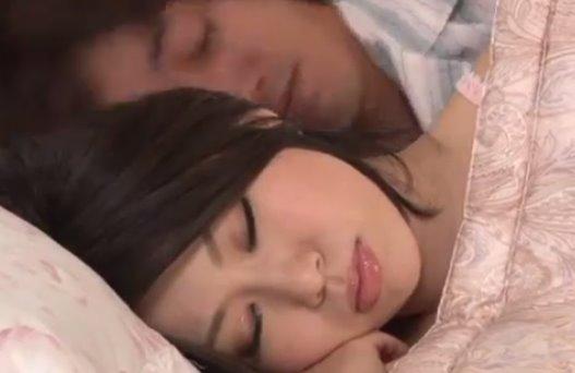 หนังxญี่ปุ่นไม่เซ็นเซอร์ ปลุกเมียขึ้นมาเย็ดหีล้างหน้าไก่ตั้งแต่เช้า