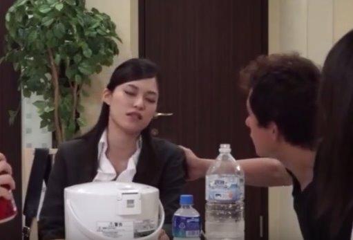 หนังเอวีญี่ปุ่น บ้านเช่ามั่วเซ็กส์ วางยาแอบลักหลับจับเย็ดหี